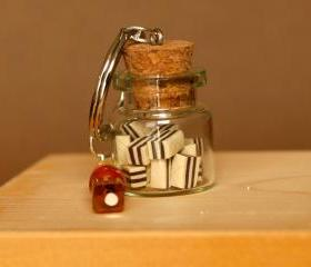 Chocolate wafers in a jar keychain